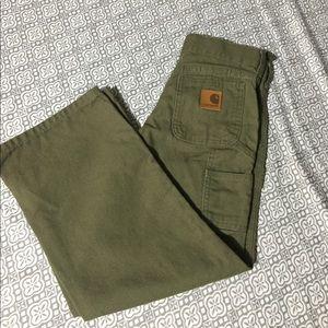 Army green Carhartt pants 📏